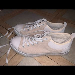 UGG off- white, fuzzy sneakers!